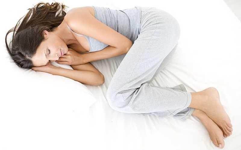 «Зародыш» поза для сна