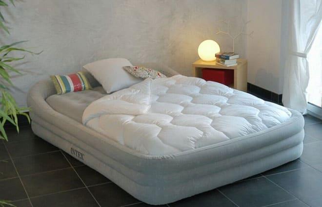 Отличия надувных кроватей