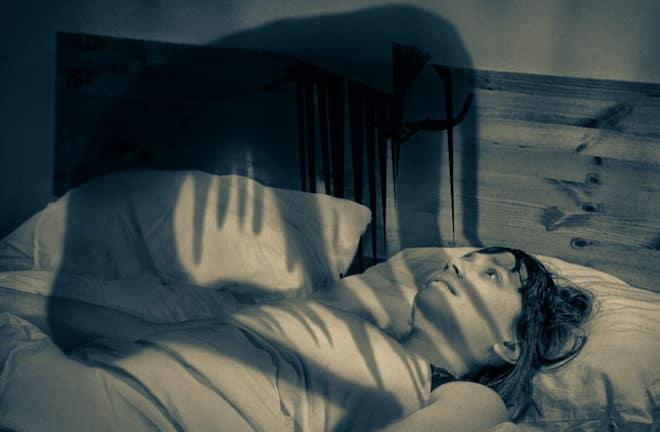 кто-то душит во сне