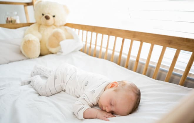Приучаем малыша спать одного