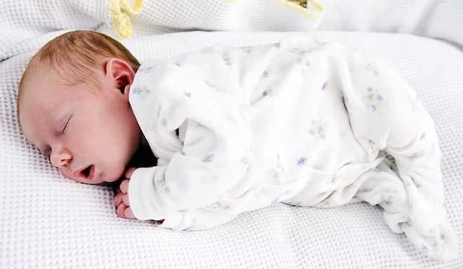 Вздрагивания во время сна у детей